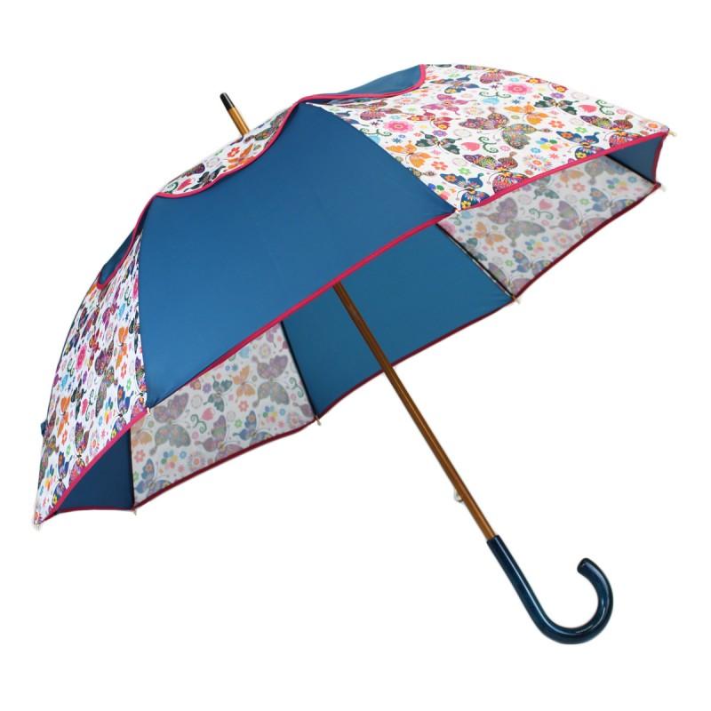 Passierender blauer Regenschirm und Schmetterlinge