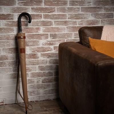 ☂️La boutique☂️ Nous avons le plaisir de vous présenter un accessoire pour parapluie : notre nouveau fourreau en cuir.✨ Grâce à celui-ci vous allez pouvoir protéger la toile de votre parapluie avec élégance.  Vous pouvez le retrouver sur notre site internet 👉http://bit.ly/h2oparapluiesfourreaucuir  #fourreau #parapluie #cuir #madeinfrance