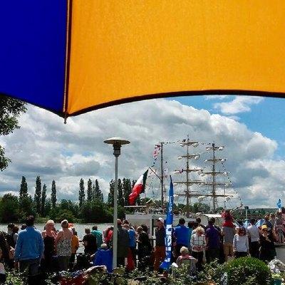 ☂️WEEK END☂️ Armada de Rouen.  Le week end est pluvieux alors pous regarder l'#armada2019 ⛵️ on sort avec son parapluie ☔️ #h2oparapluies  #parapluie #umbrella #normandie #weekend #madeinfrance