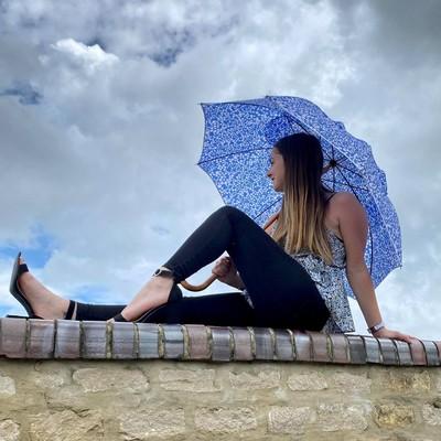 ☂️La boutique☂️  Avez vous pensé à choisir un modèle coloré pour cet été ?🌦 Nous en avons pleins à vous proposer !  Retrouvez tous nos modèles sur notre site internet   #parapluie #madeinfrance #été