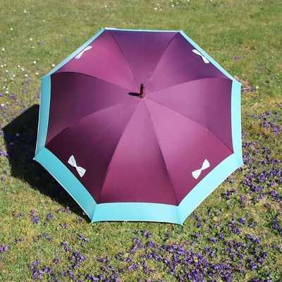 ☂La boutique☂ En ce début de printemps, nous vous présentons un nouveau modèle aux couleurs de saison🌸  #parapluies #madeinfrance🇫🇷 #printemps #violet #nouveautés